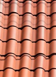 Keramische dakpannen bruin