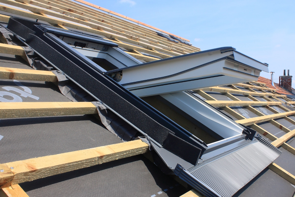 dakraam plaatsen soorten dakvensters prijs afwerking. Black Bedroom Furniture Sets. Home Design Ideas